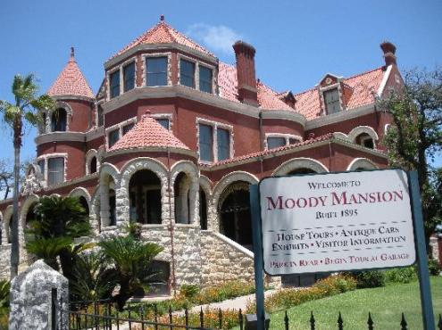 moody-mansion